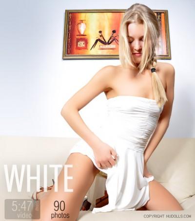 ND – 2010-12-31 – Alina – White (90) PICS & VIDEO