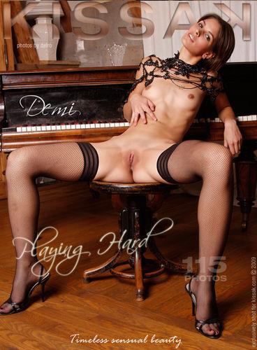 Kissak – Demi – Playing hard (115) 2592×3888